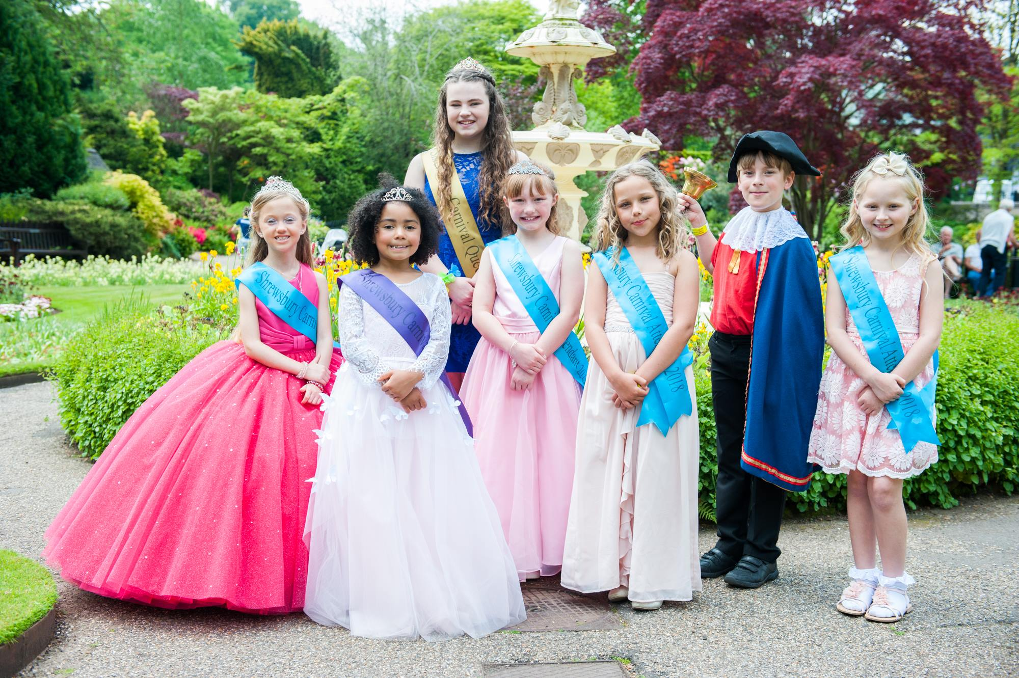 2018 Royalty in the dingle - Sophie, Teyana, Freya, Emily, Mia, Isaac and Gracie